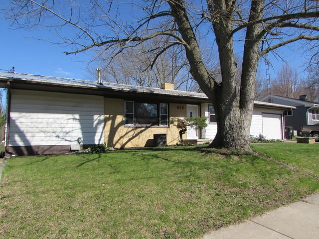 912 S Linden Street, Normal, IL 61761 (MLS #10343266) :: Berkshire Hathaway HomeServices Snyder Real Estate