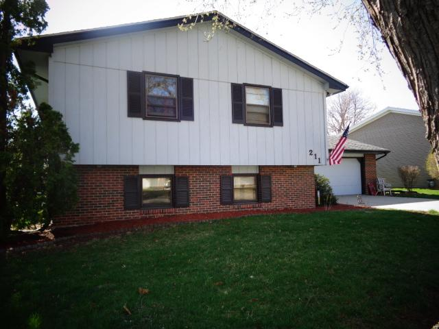 211 Edwards Drive, Normal, IL 61761 (MLS #10343633) :: Janet Jurich Realty Group