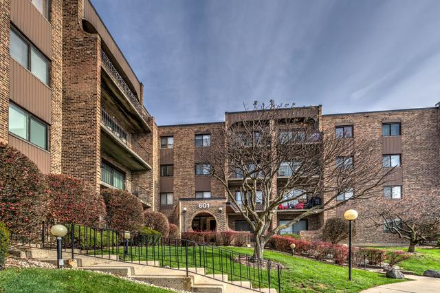 601 W Huntington Commons Road #101, Mount Prospect, IL 60056 (MLS #10343697) :: Berkshire Hathaway HomeServices Snyder Real Estate
