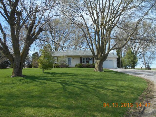 2360 E 1250 North Road, NEWMAN, IL 61942 (MLS #10343710) :: Janet Jurich Realty Group