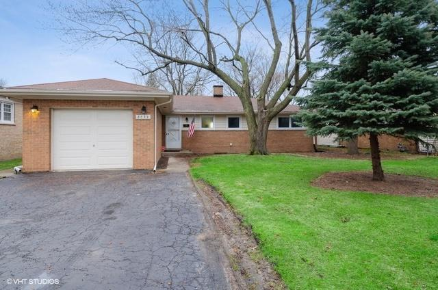 8039 Parkside Avenue, Morton Grove, IL 60053 (MLS #10343825) :: Helen Oliveri Real Estate