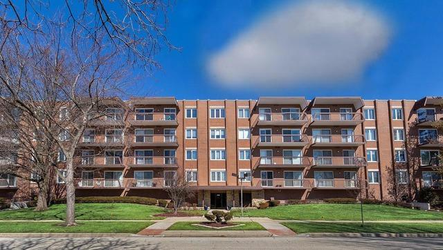 8000 W Foster Lane #302, Niles, IL 60714 (MLS #10344072) :: Century 21 Affiliated