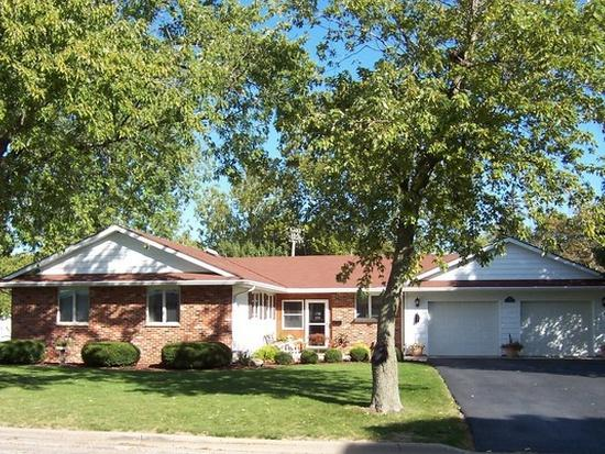 204 E Philmar Street, Dwight, IL 60420 (MLS #10344321) :: Leigh Marcus | @properties