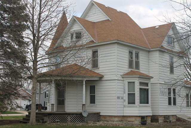 125 N Sycamore Street, Somonauk, IL 60552 (MLS #10344487) :: Leigh Marcus | @properties