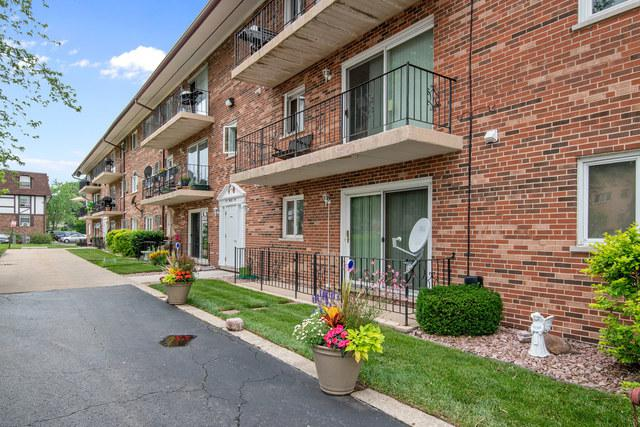 9420 Greenbriar Drive 2G, Hickory Hills, IL 60457 (MLS #10344659) :: Baz Realty Network | Keller Williams Elite