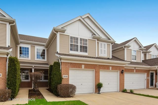 2555 Camberley Circle, Westchester, IL 60154 (MLS #10344863) :: Angela Walker Homes Real Estate Group