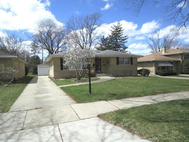 610 Forest Road, La Grange Park, IL 60526 (MLS #10345077) :: Leigh Marcus | @properties