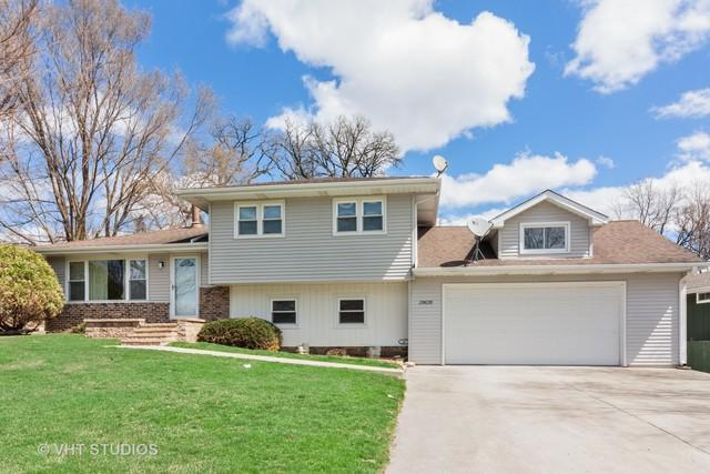 29W276 Bolles Avenue, West Chicago, IL 60185 (MLS #10345235) :: Leigh Marcus | @properties