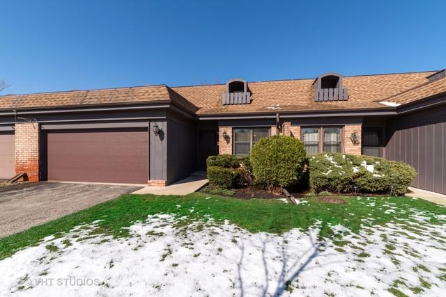 2752 Wilshire Lane #2752, Northbrook, IL 60062 (MLS #10345535) :: Janet Jurich Realty Group