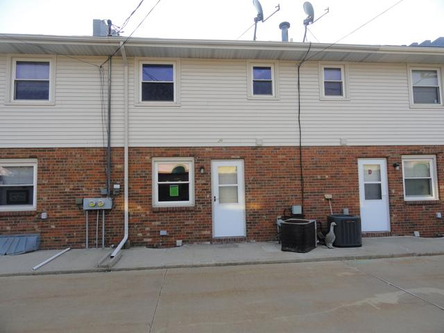 105 E Lincoln Street C, Normal, IL 61761 (MLS #10345618) :: Berkshire Hathaway HomeServices Snyder Real Estate