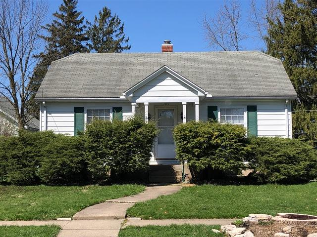105 E Henry Street, Pontiac, IL 61764 (MLS #10345707) :: Janet Jurich Realty Group