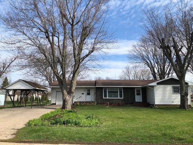 300 1ST Street, Mendota, IL 61342 (MLS #10345921) :: Helen Oliveri Real Estate