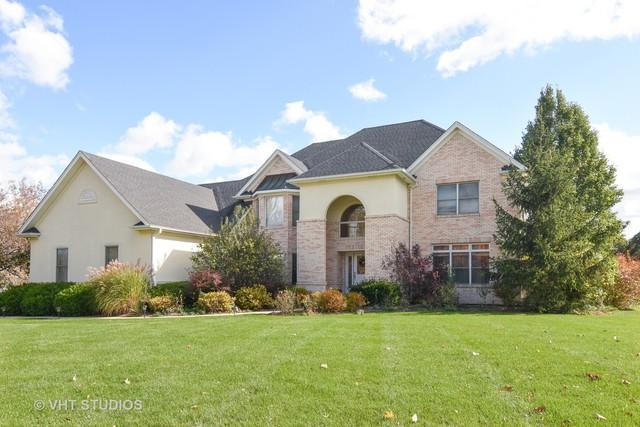 4 Enclave Way, Hawthorn Woods, IL 60047 (MLS #10346288) :: Helen Oliveri Real Estate