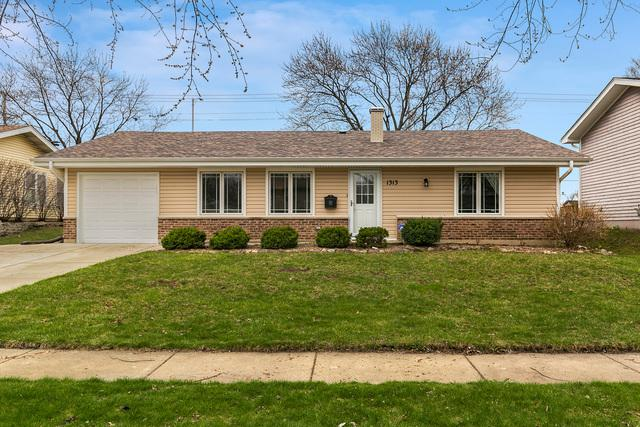 1313 W Oakmont Road, Hoffman Estates, IL 60169 (MLS #10347103) :: Century 21 Affiliated