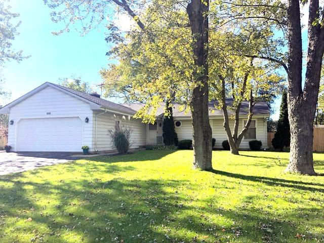 1S262 Michigan Avenue, Lombard, IL 60148 (MLS #10347307) :: Angela Walker Homes Real Estate Group