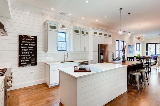 243 W Scott Street #2, Chicago, IL 60610 (MLS #10347395) :: Leigh Marcus | @properties