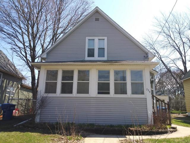 736 N 11th Street, Dekalb, IL 60115 (MLS #10347546) :: Helen Oliveri Real Estate