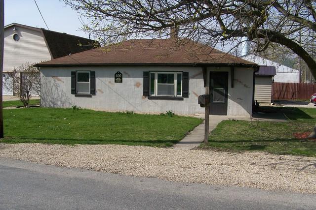 400 W Walnut Street, Fairbury, IL 61739 (MLS #10347640) :: Janet Jurich Realty Group