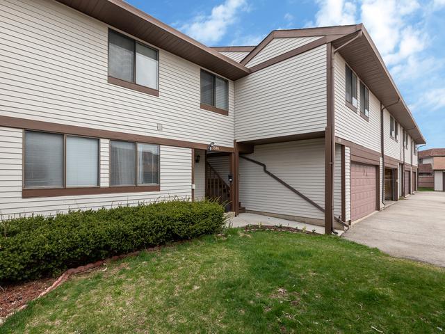 1376 Court Marguerite, Hanover Park, IL 60133 (MLS #10347656) :: Helen Oliveri Real Estate