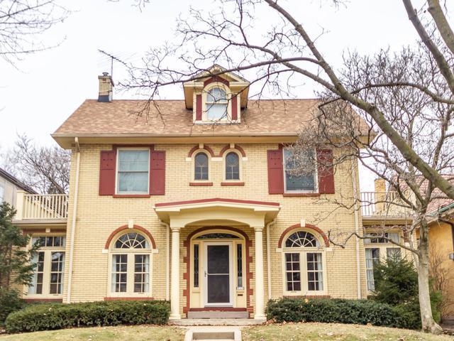 1043 N Kenilworth Avenue N, Oak Park, IL 60302 (MLS #10347762) :: Angela Walker Homes Real Estate Group