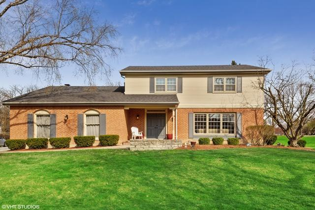 5811 Lawn Drive, Western Springs, IL 60558 (MLS #10347990) :: Domain Realty