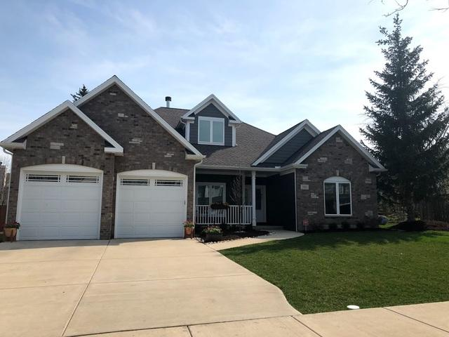 381 E 16th Place, Lombard, IL 60148 (MLS #10348103) :: Angela Walker Homes Real Estate Group