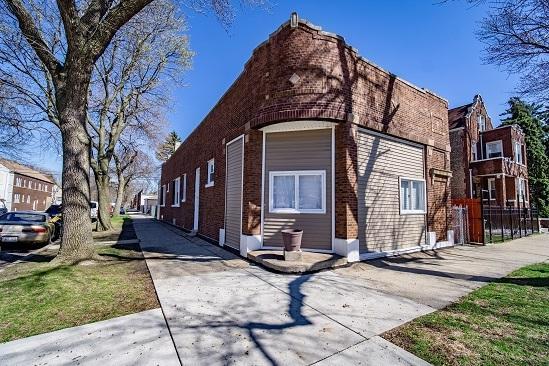 4501 S Sacramento Avenue, Chicago, IL 60632 (MLS #10348179) :: Leigh Marcus | @properties