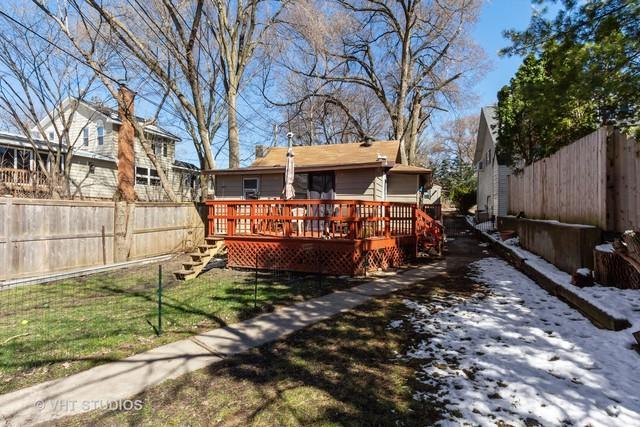 50 N Lake Avenue, Fox Lake, IL 60020 (MLS #10348205) :: Domain Realty