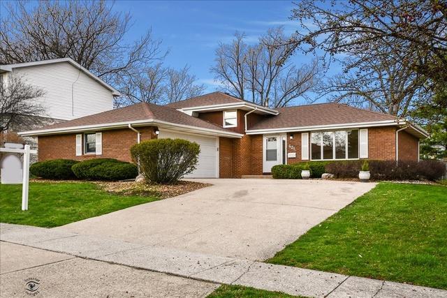 421 Glenys Drive, Lemont, IL 60439 (MLS #10348293) :: Helen Oliveri Real Estate