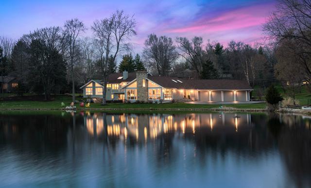498 E Lake Shore Drive, Barrington, IL 60010 (MLS #10348345) :: Helen Oliveri Real Estate