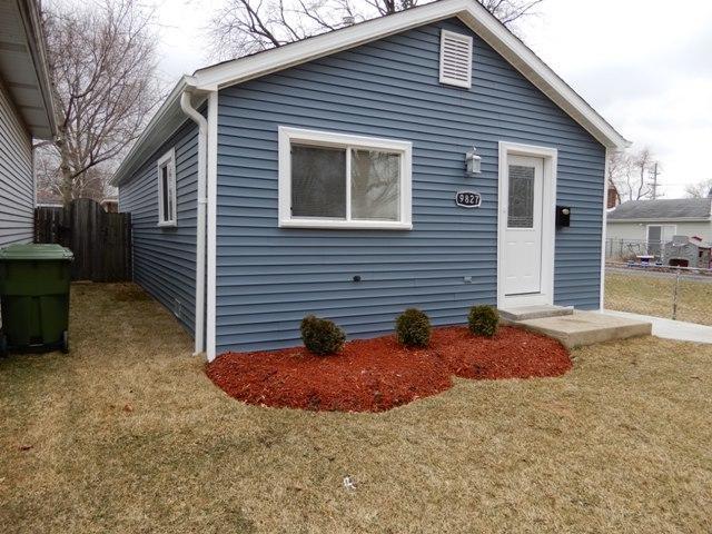9827 Cook Avenue, Oak Lawn, IL 60453 (MLS #10348374) :: Domain Realty