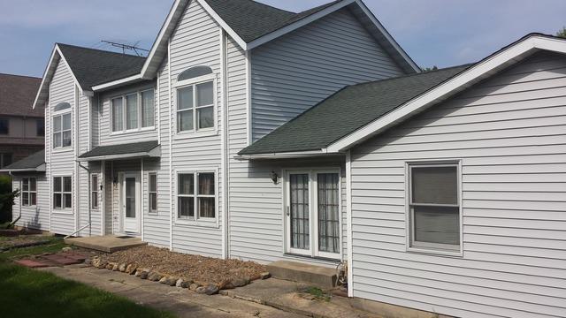 16W368 W Hillside Lane, Willowbrook, IL 60527 (MLS #10348496) :: BNRealty