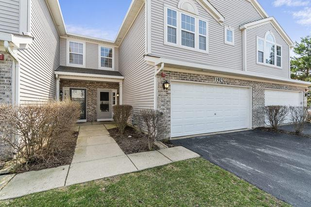 1923 Candlelight Circle, Montgomery, IL 60538 (MLS #10348498) :: Domain Realty