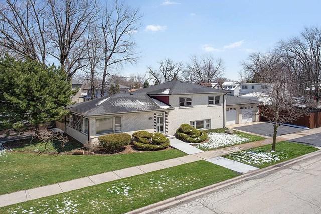 5841 W 87th Place, Oak Lawn, IL 60453 (MLS #10348571) :: Domain Realty