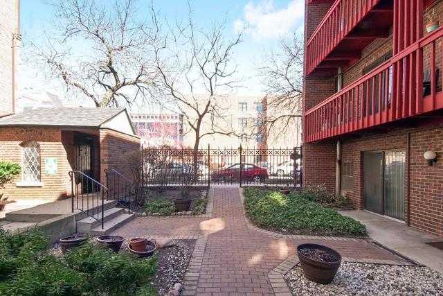 805 W Oakdale Avenue 1A, Chicago, IL 60657 (MLS #10348587) :: The Perotti Group | Compass Real Estate