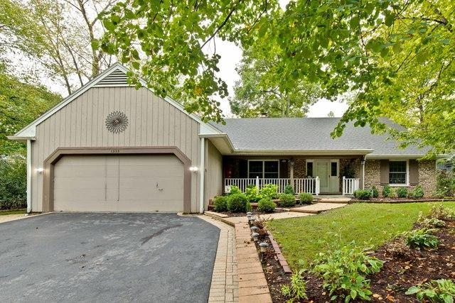 1335 Eastwood Lane, Northbrook, IL 60062 (MLS #10348715) :: Leigh Marcus | @properties