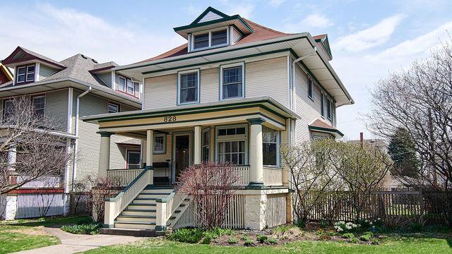 828 S Elmwood Avenue, Oak Park, IL 60304 (MLS #10348782) :: Century 21 Affiliated