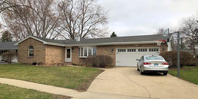 1211 Sunnymeade Drive, Rochelle, IL 61068 (MLS #10348856) :: Janet Jurich Realty Group