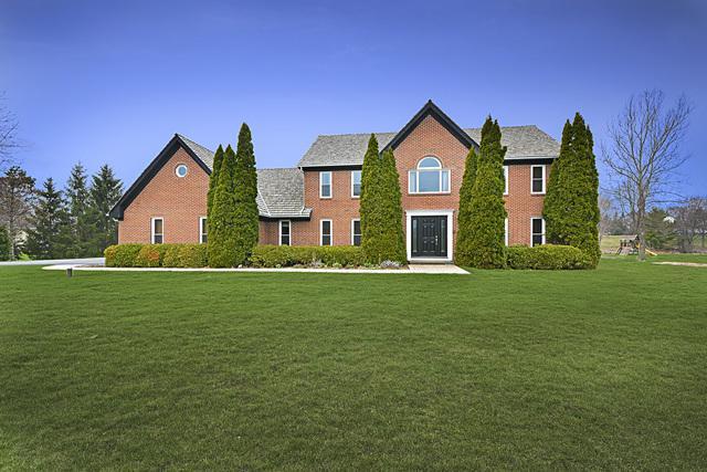 11 Cambridge Drive, Hawthorn Woods, IL 60047 (MLS #10348859) :: Helen Oliveri Real Estate