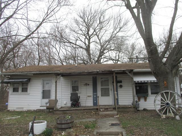402 Ash Street, VILLA GROVE, IL 61956 (MLS #10348887) :: Ryan Dallas Real Estate
