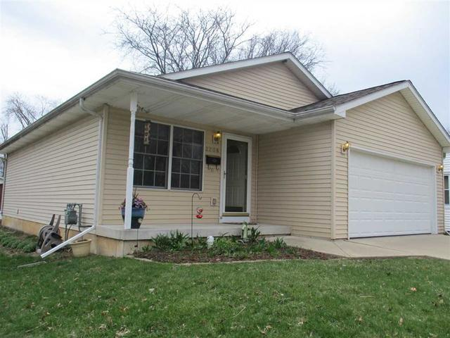 2208 Midway Drive, Rockford, IL 61103 (MLS #10349059) :: Ryan Dallas Real Estate