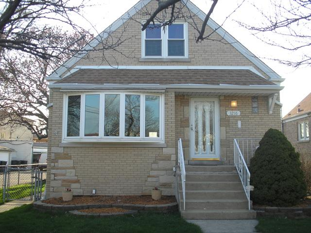3216 N Pioneer Avenue, Chicago, IL 60634 (MLS #10349149) :: Helen Oliveri Real Estate