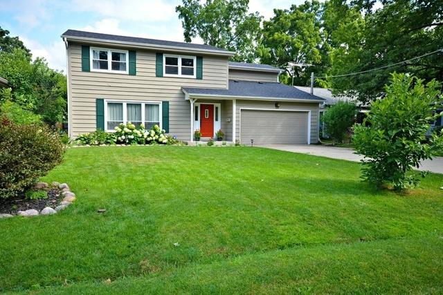 125 Forest Avenue, Lake Zurich, IL 60047 (MLS #10349348) :: The Jacobs Group