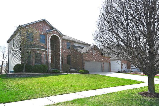 405 Deerfield Drive, Oswego, IL 60543 (MLS #10349386) :: Helen Oliveri Real Estate