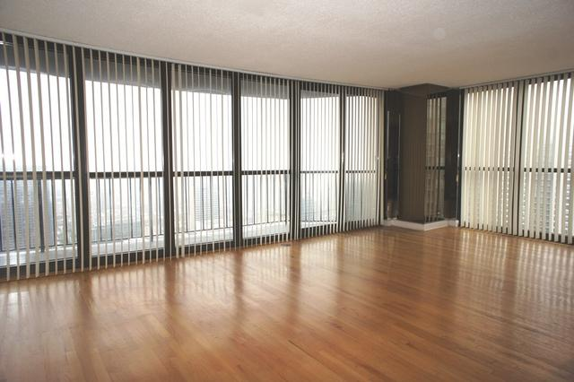 10 E Ontario Street #4406, Chicago, IL 60611 (MLS #10349516) :: Property Consultants Realty
