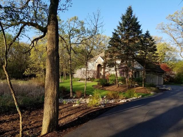 1 Wayne Lane, Hawthorn Woods, IL 60047 (MLS #10349604) :: Helen Oliveri Real Estate