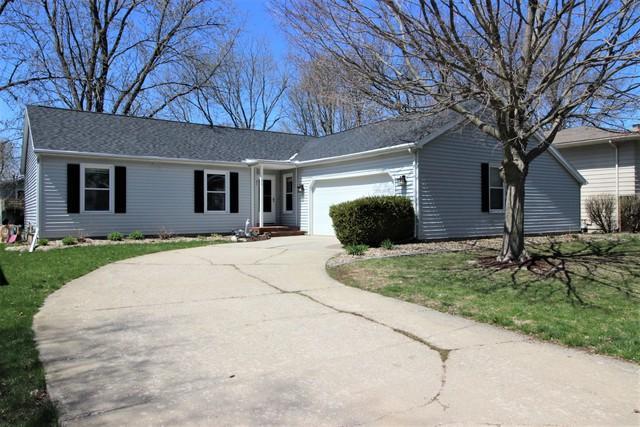 44 Kenfield Circle, Bloomington, IL 61704 (MLS #10349787) :: Helen Oliveri Real Estate