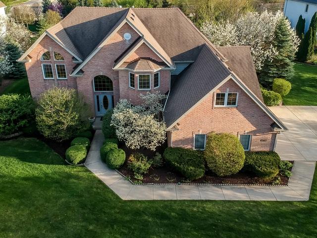 6912 Fieldstone Drive, Burr Ridge, IL 60527 (MLS #10349865) :: Ryan Dallas Real Estate