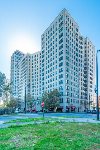 2000 N Lincoln Park West #302, Chicago, IL 60614 (MLS #10350038) :: Property Consultants Realty