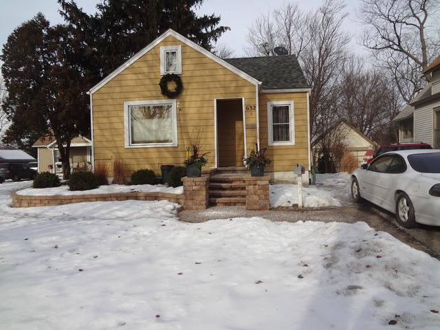 632 Page Avenue, Elgin, IL 60120 (MLS #10350062) :: Domain Realty